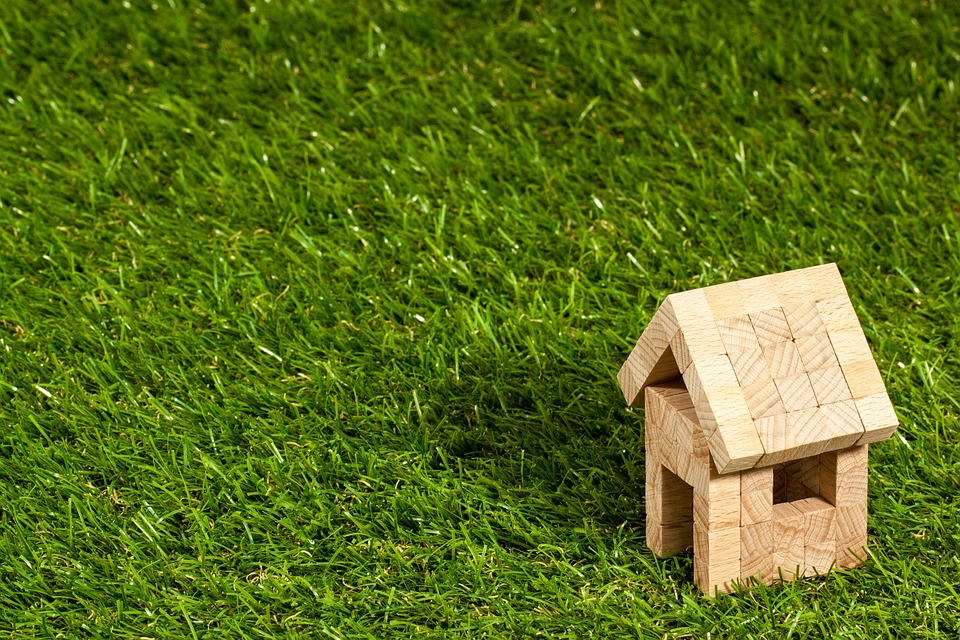 How Landscaping and Real Estate Go Hand-in-Hand